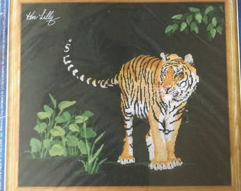 Designs for the Needle Counted Cross Stitch Kit The Protector Tiger NIP