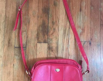 VINTAGE American tourister Cherry Red shoulderbag