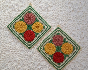 Vintage Red Goldenrod Green Crochet Potholders Trivets, Retro Modern All White Kitchen, Farmhouse Country Kitchen