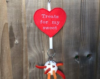 Valentine's Day heart decoration with removeable treats ball holder for guinea pig / hedgehog / degu / chinchilla