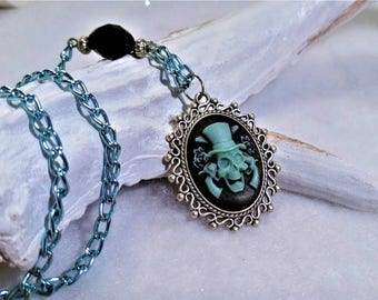 Western skull blue necklace
