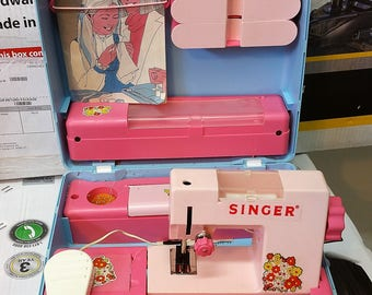 Rare Ohio Art Singer toy sewing machine in case