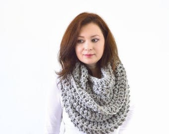 SALE Chunky Infinity Scarf | The Dresden