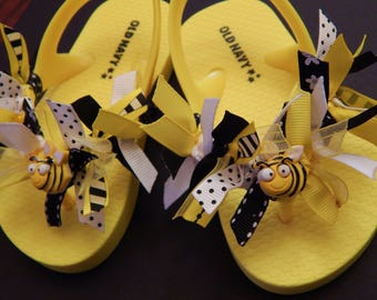 BUZZ INTO SUMMER---Bumble Bee Sandals for Toddler Girls