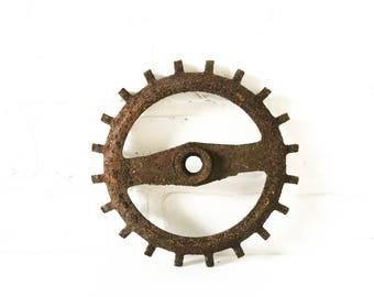 Vintage Cast Iron Gear Farm Equipment Seed Corn Planter Industrial Parts Antique Tool