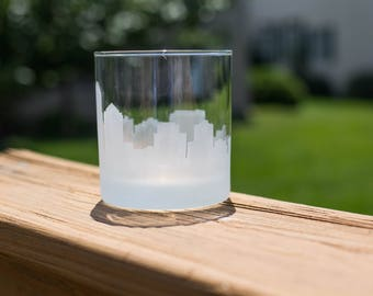 Albuquerque, New Mexico Skyline Silhouette Outline Whiskey Rocks Glasses