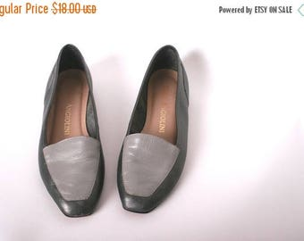 40% SALE SALE Grey Color Block Leather Shoes // Color Block Loafers in Metallic Grey // Leather Womens Flats // Slip On Shoes (size 5.5)