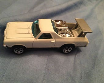 Hot Wheels 68 El Camino     (box 1)
