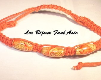 Red flower wood beads and Red macrame bracelet adjustable beige