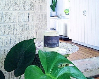 Forest Flora - Sandalwood, Cedarwood, Musk Eco-friendly Vegan Soy Candle  - Fine Fragrance [Paraben/Phthalate Free] - clean burning