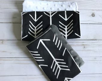BLACK ARROW • Baby • Burp Cloth Set • Tribal • Arrow • Minky • Burp Rags • Black White • Baby Shower Gifts • BizyBelle