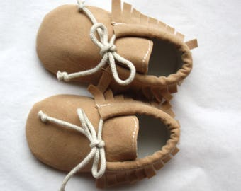 LITTLE MOC SAND / Baby moccasins customizable