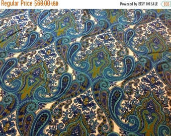 4th of July sale Vintage Round Pailsey Tablecloth Deep Rich Colors of Auqa Royal Blue Olive Green Turquoise and White Tablecloth