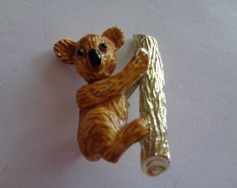 Vintage Signed Gerrys Goldtone/Enamel Koala on Tree  Brooch/Pin