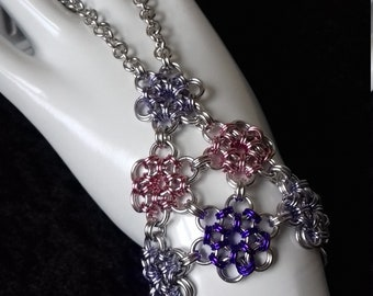 Chainmaille Handflower