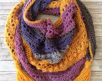 Triangle Shawl | Triangle Scarf | Crochet Triangle Scarf