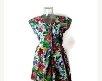 ON SALE Vintage Colorful Floral Printed Short Sleeve Cotton Romper/Onesie /All in one from 1980's*