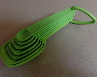 Vintage Tupperware Green Apple Nesting Measuring Spoons 1/8, 1/4, 1/2, 1 Tsp, 1-1/2 Teaspoon 1, 1-1/1 Tablespoon