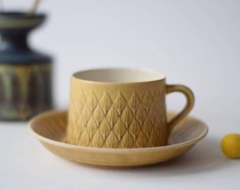 Quistgaard - RELIEF - tea cup & saucer - Kronjyden - Danish mid century tableware