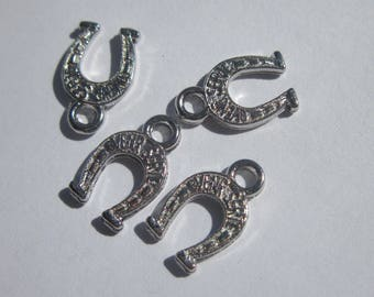 4 12mm silver plated Horseshoe charms (6161)