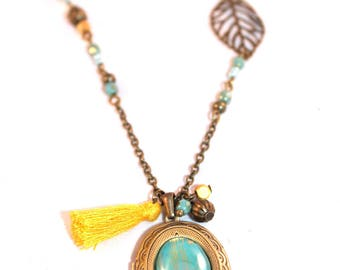 Long Locket necklace photo blue and yellow Pompom