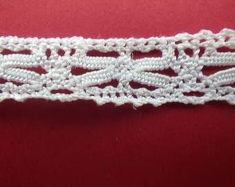 Vintage bobbin lace (VL52)