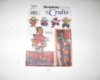 Simplicity Pattern 7929 Crafts Carla Reiss Bean Bag Animals Locker Organizer Back Pack Bed Caddy Bloomers Vest Skirt Collar UNCUT