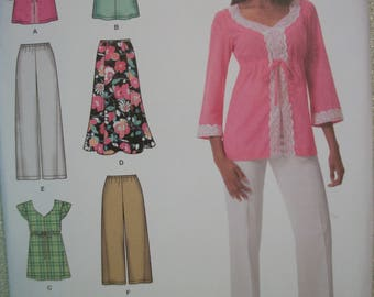 Simplicity 2456 Womens (size 20W-28W) pants in wo lengths, skirt and top