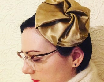 "Vintage style 1950s hollywood glamour ""Whipped"" gold satin beret"