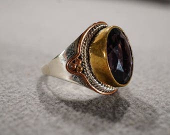 Vintage Sterling Silver Brass Copper Band Ring Oval Bezel Set African Amethyst Raised Relief  Scrolled Design Art Deco Style, Size 9