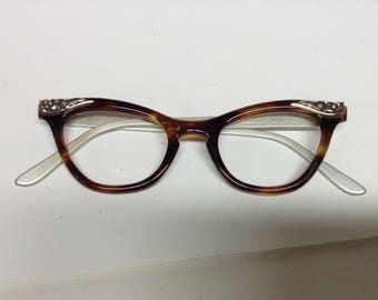 Vintage Liberty made in the USA cat eye glass frames