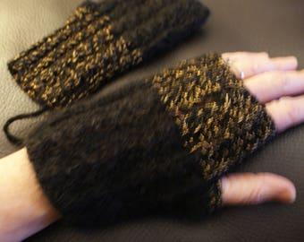 Fingerless mittens in 100% wool, mohair and lurex