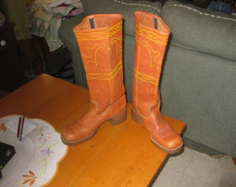 Vtg knee high Western Equestrian leather cowhide boots square toe block heel Mint vtg sz 9 from saddle shop in Wyoming in the early 80s