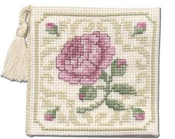 Damask Rose Counted Cross Stitch Needlecase Kit. Pink Rose. 14 count Aida, stranded cotton, needle, tassle and felt. Needlecase to Stitch