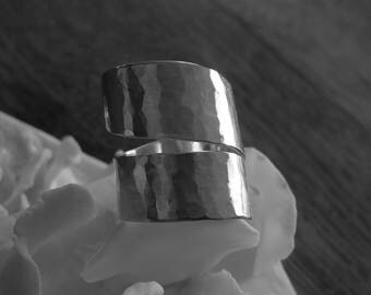 """""""Spiral tap"""" hammered silver band ring"""