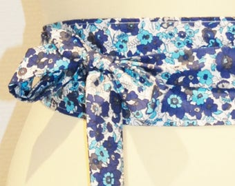 69 white/blue/grey floral fabric tie belt