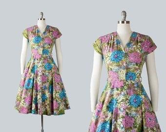 Vintage 1940s 1950s Dress | 40s 50s Floral Cotton Shirtwaist Full Skirt Day Dress (small)