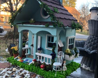 Bird house/Miniature house. decorations ornamets. Cottage house.
