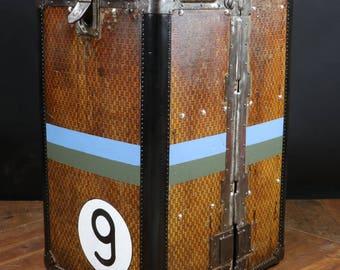 RW1150 Malle cupboard checkerboard