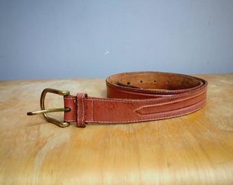 Vintage brown leather belt with brass belt buckle / boho brown leather belt small size / 70s worn in boho women's belt / cowgirl belt UK