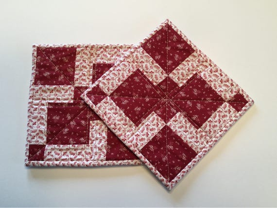 Quilted pot holders, pot holders, quilted table mats, quilted hot pads, hot pads, Christmas pot holders, holiday pot holders