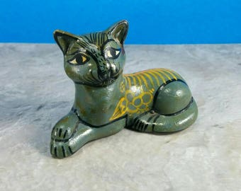 Vintage Grey Tonala Painted Red Clay Cat Figurine - Yellow flowers - Art Clay Piece