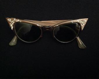 1950-1960 vintage women's cat eye style sunglasses