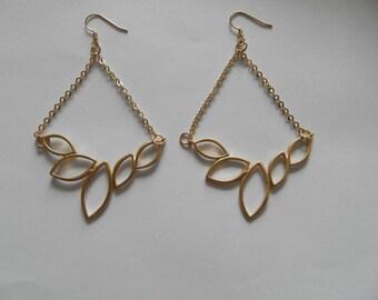 Great earrings for gold cascade