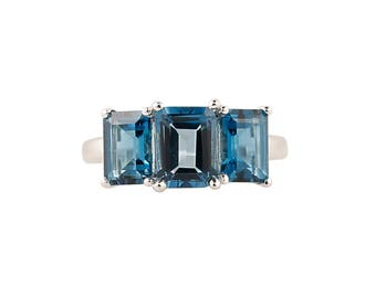 Sterling Silver 4.49ctw London Blue Topaz 3-Stone Ring SZ 7
