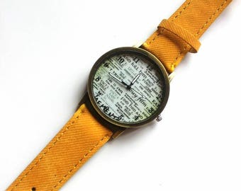 sporty men's watch in yellow jeans, washed look.