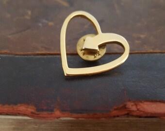 Vintage Gold Tone Heart Arrow Tie Pin Tack Lapel Pin