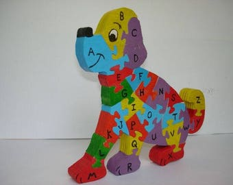 Puzzle dog to learn the Alphabet