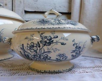 Antique french blue transferware vegetable tureen. Blue transferware small tureen. Covered serving bowl. Navy blue. Butterflies. Flowers.