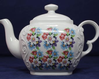 "Woods & Sons Ellgreave Porcelain Teapot - White/Blue/Red Wild Flower 6-1/2"" H"